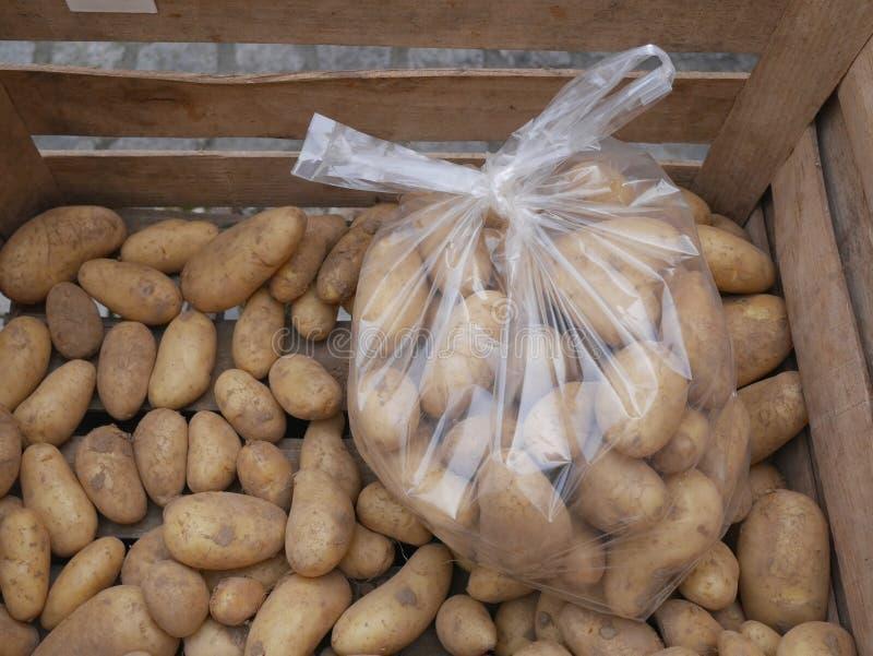 Targowe organicznie grule fotografia stock