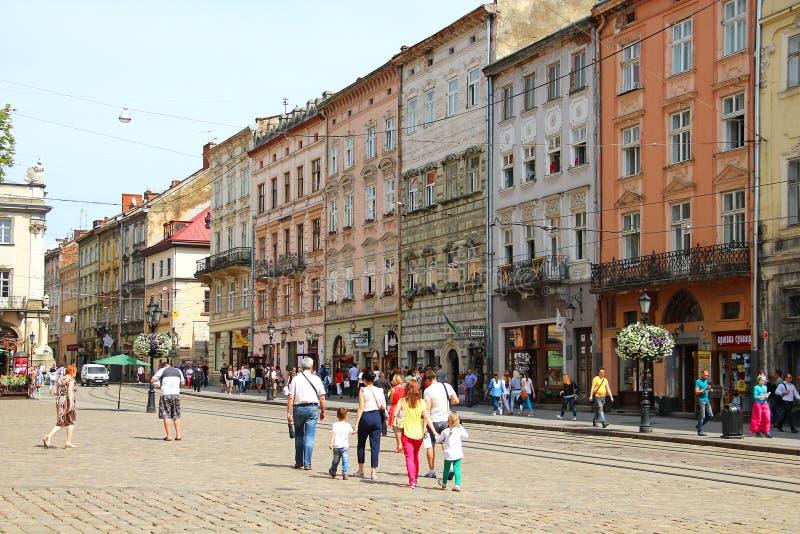 Download Targowy Kwadrat, Lviv, Ukraina Obraz Stock Editorial - Obraz złożonej z kultura, ludzie: 57674644