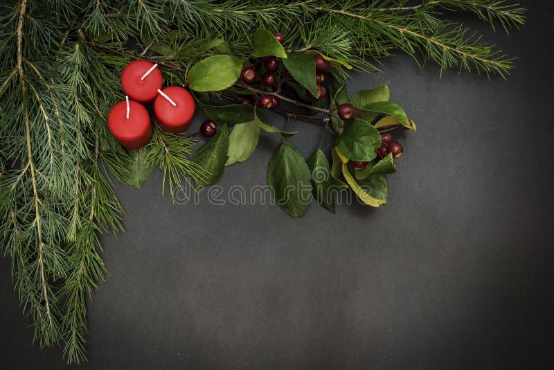 Tarjeta de felicitación con Feliz Navidad del partido de la decoración y Feliz Año Nuevo fotografía de archivo libre de regalías