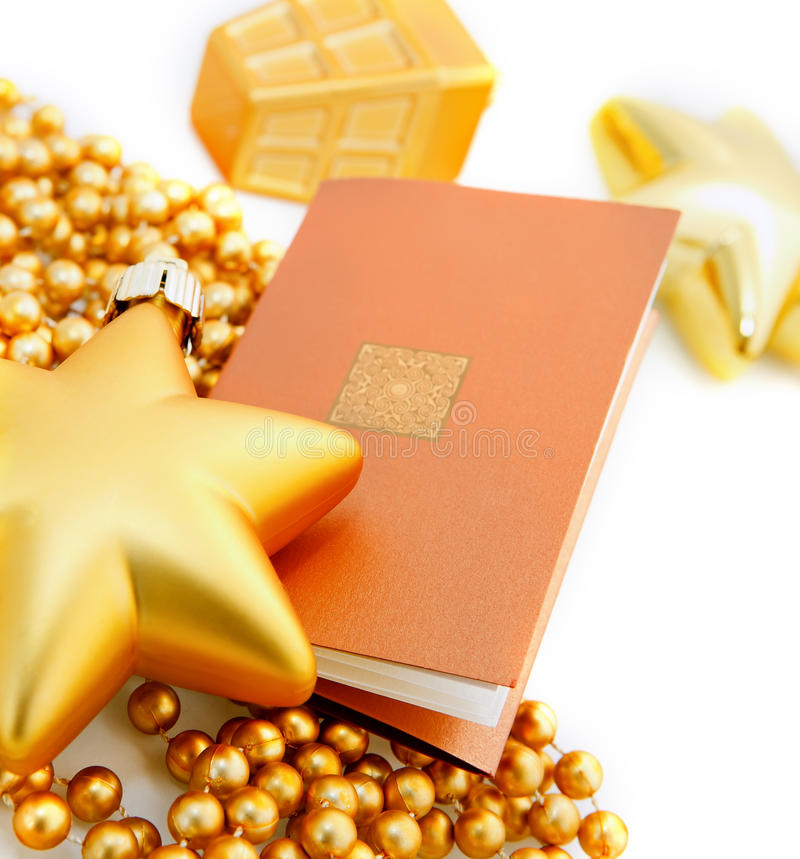 Tarjeta de felicitación con las decoraciones de la Navidad imagen de archivo libre de regalías