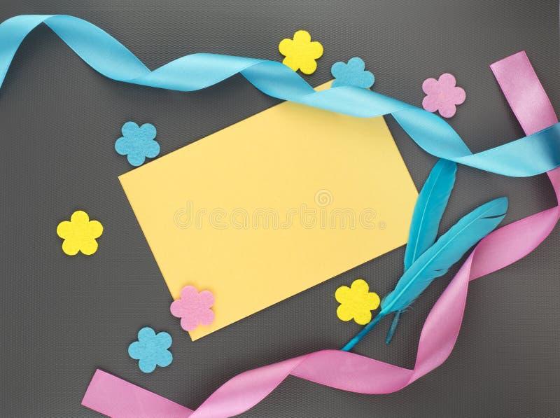 Tarjeta de felicitación del resorte fotos de archivo