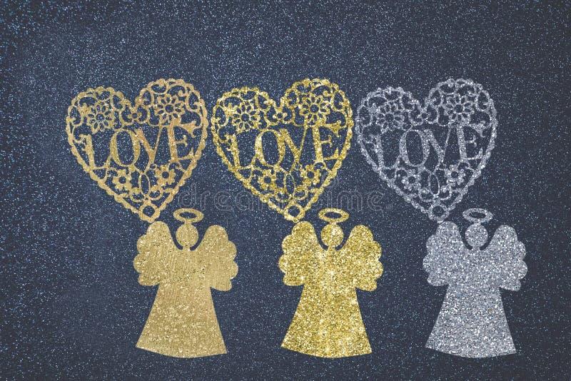 Tarjeta de los ángeles y del amor de la Navidad libre illustration