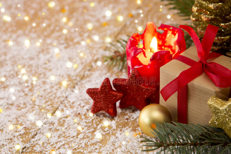 Tarjeta de Navidad Vela y decoratipon del advenimiento imágenes de archivo libres de regalías