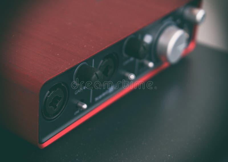 Tarjeta de sonido roja portátil profesional fotografía de archivo libre de regalías