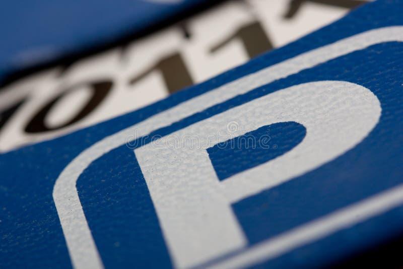 Tarjeta del estacionamiento imagenes de archivo