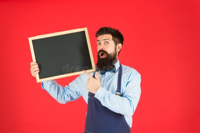 Tarjeta del men? Bienvenido Publicidad del restaurante o del caf? Cocinero barbudo del inconformista Gran cocina El cocinar por r foto de archivo