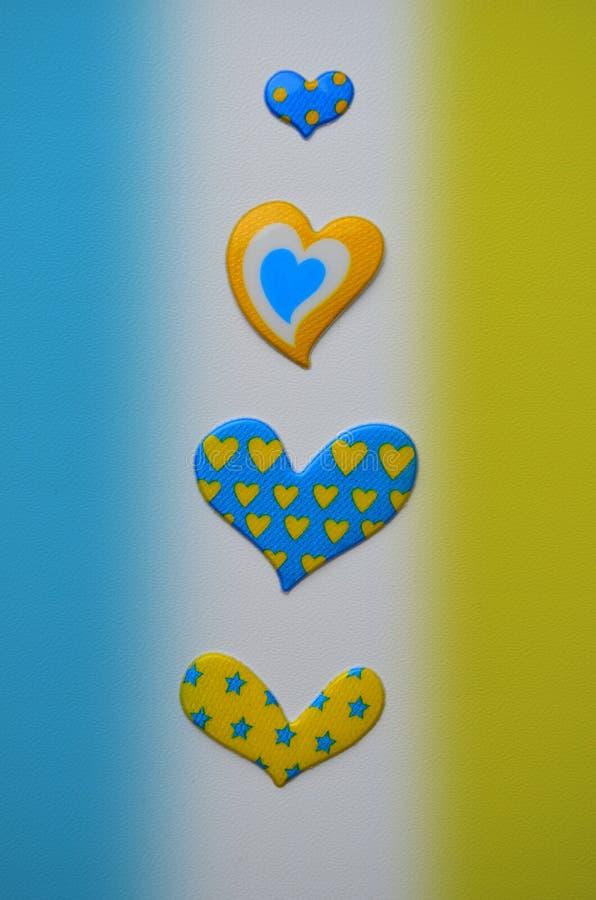 Tarjeta en amarillo y azul imagenes de archivo