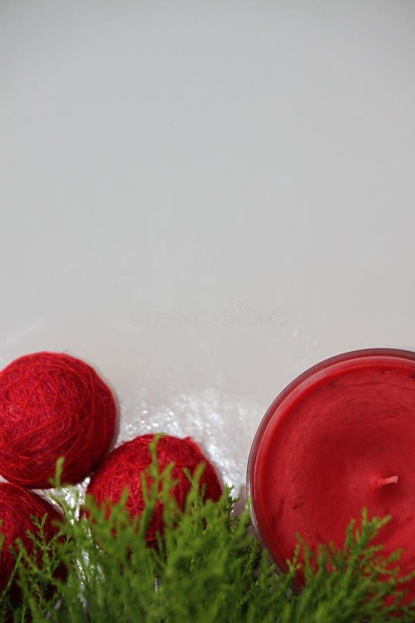 Tarjeta para felicitar la Navidad y el Año Nuevo foto de archivo libre de regalías