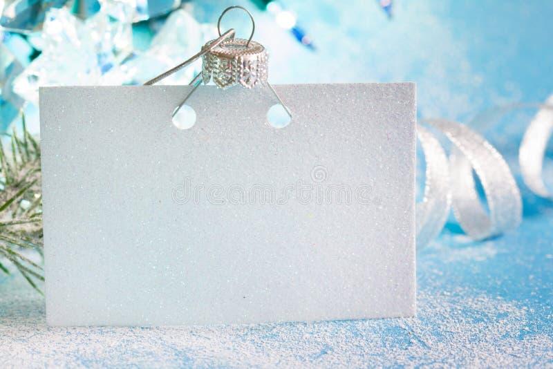 Tarjeta vacía de la Navidad y concepto azul de plata del fondo del extracto de la decoración del Año Nuevo fotos de archivo