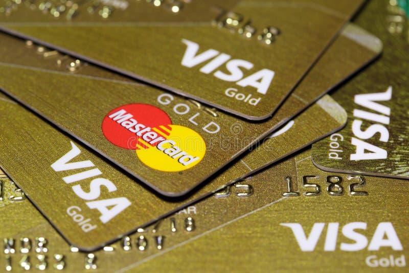 Tarjetas de crédito del oro fotografía de archivo libre de regalías