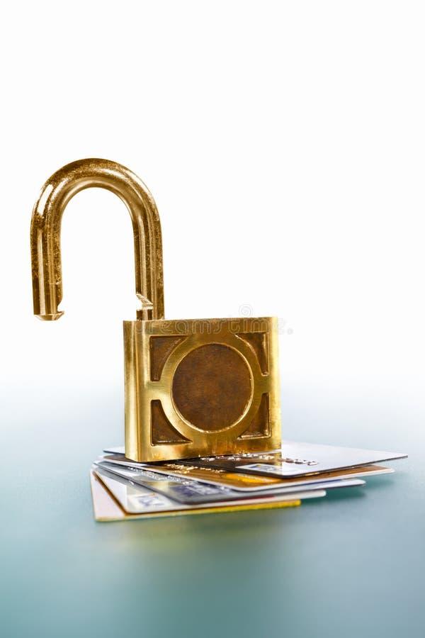 Tarjetas de crédito desprotegidas fotos de archivo