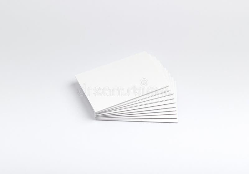 Tarjetas de visita aisladas en blanco imagen de archivo libre de regalías