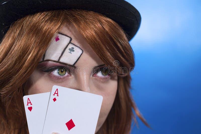 Tarjetas que juegan de la muchacha imagen de archivo