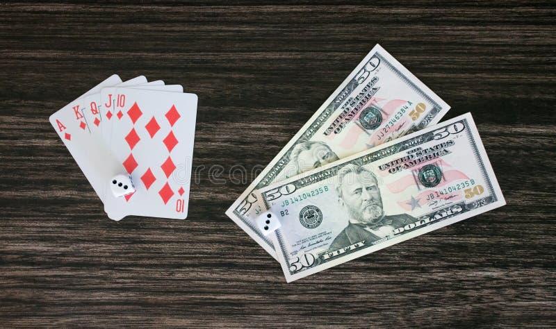Tarjetas y dinero imagen de archivo libre de regalías