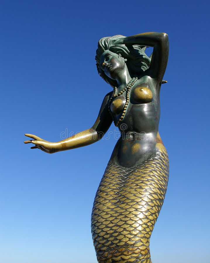 Free Tarnished Green Mermaid Statue Stock Photography - 4669402