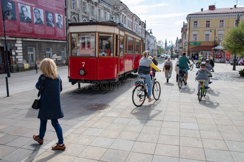 Tarnow, Malopolskie/Pologne - mai, 1, 2019 : Un chariot historique réglé au centre de la ville Monument de tram dans la ville en  photographie stock libre de droits