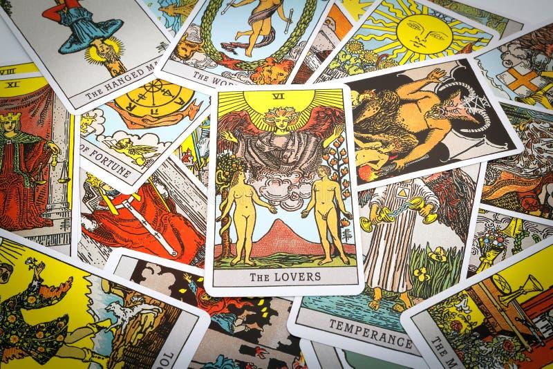 Tarot de cartes de tarot photographie stock