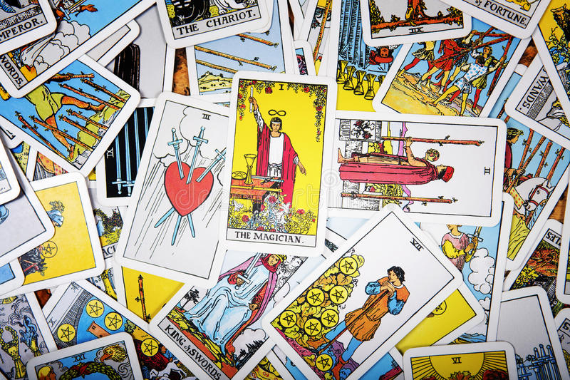 Tarot kart mistyczny tło Seniora karciany magik fotografia royalty free