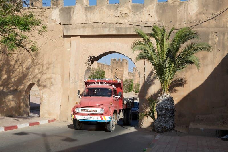 Taroudant's defensywy ściany brama zdjęcia stock