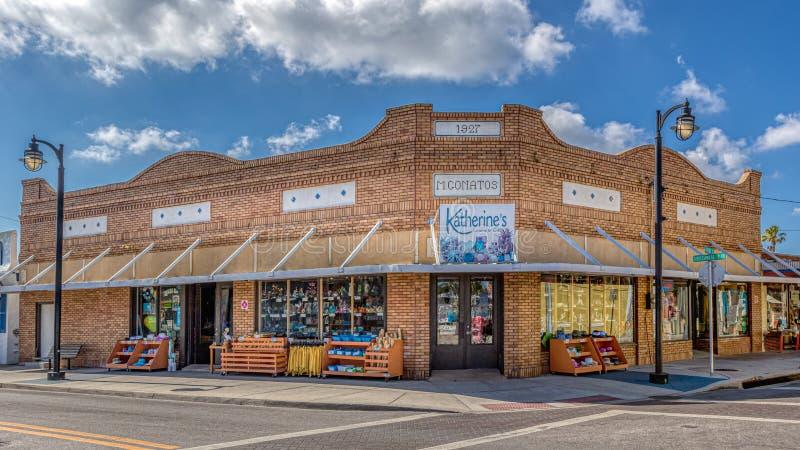 TARPON SPRINGS, LA FLORIDE - 30 JUIN 2019 : Capitale d'éponge du monde et de la ville grecque historique sur le Golfe du Mexique image libre de droits