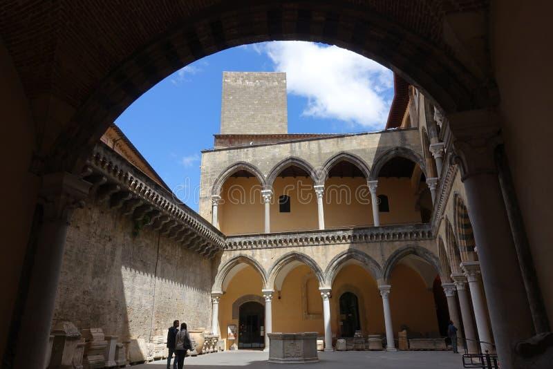 Tarquinia, interior del museo de Etruscan foto de archivo