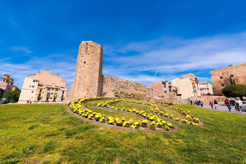 TARRAGONA, ESPANHA - 1º DE MAIO DE 2017: Circo e torre romanos de Pretorium Copie o espaço para o texto imagem de stock royalty free