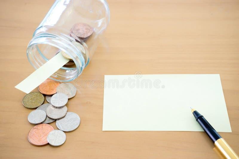 Tarro del dinero con U S la moneda representa los ahorros, donaciones foto de archivo libre de regalías