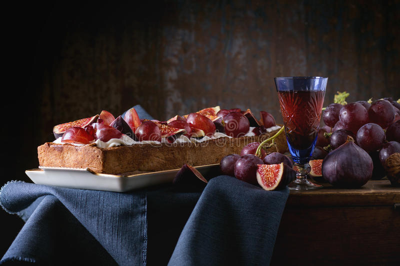 Tart with Grapes and Figs royalty free stock photos