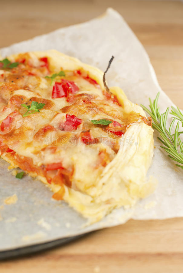 Free Tart With Tomato And Cheese Royalty Free Stock Photo - 22072325