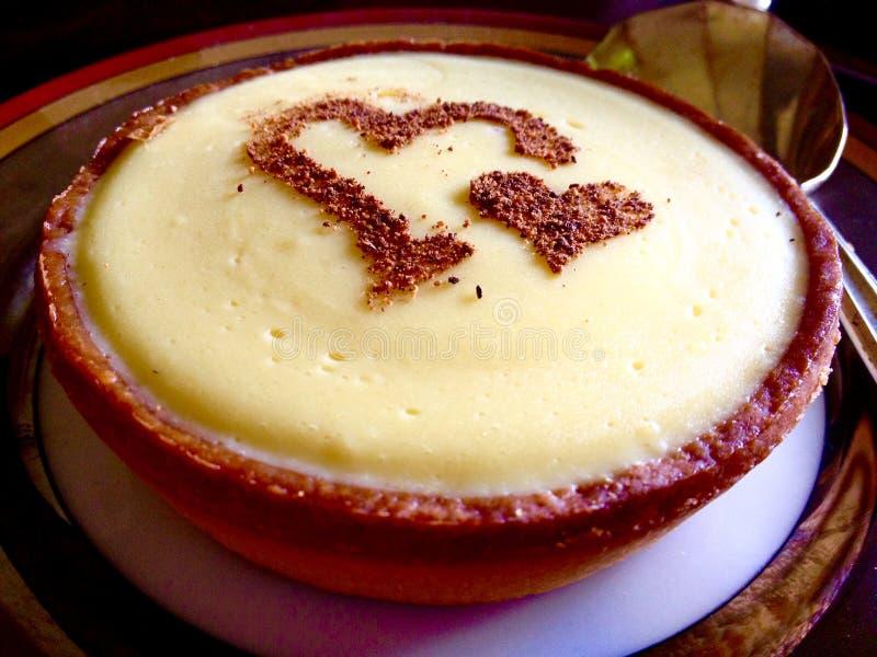Tarta de crema deliciosa cocida hogar del plátano fotografía de archivo libre de regalías
