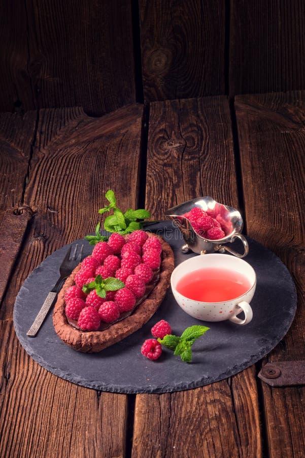 Tarta deliciosa del chocolate de la frambuesa con queso del ricotta fotografía de archivo libre de regalías