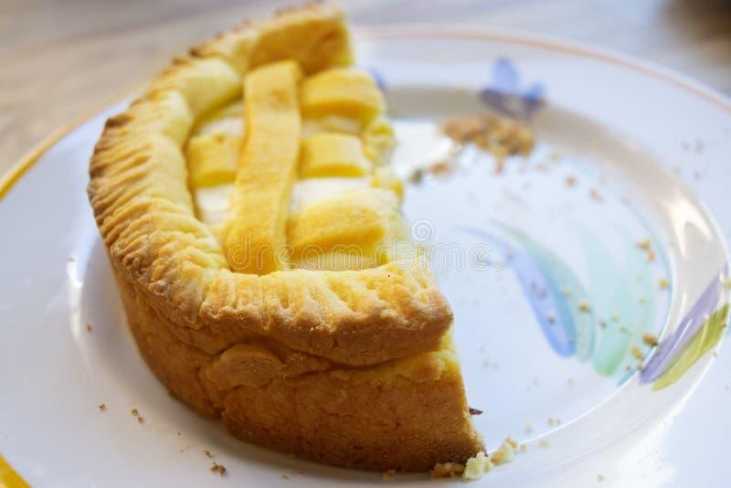 Tarta o crostata hecha en casa de la crema del ricotta fotos de archivo libres de regalías