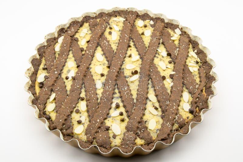 Tarta recientemente cocida del cacao con queso y chocolate fotografía de archivo