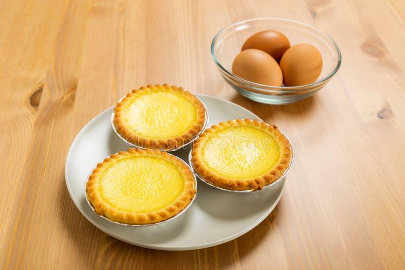 Tarta y huevos del huevo imagen de archivo