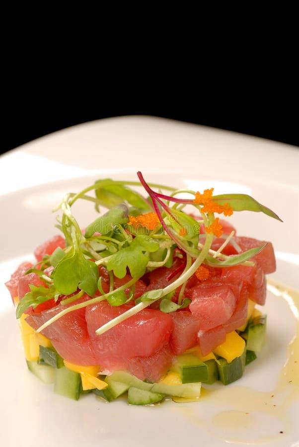 tartare tonfisk för asiatisk ny mango fotografering för bildbyråer