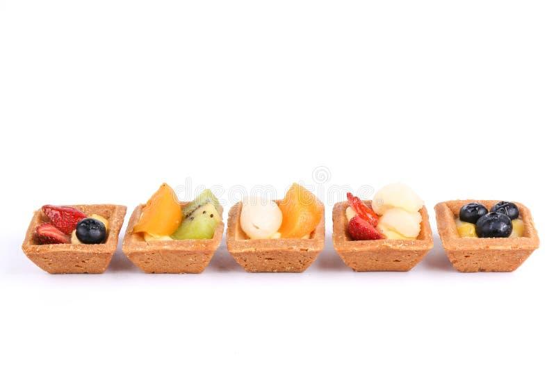 Tartas clasificadas de la fruta aisladas en blanco fotos de archivo libres de regalías