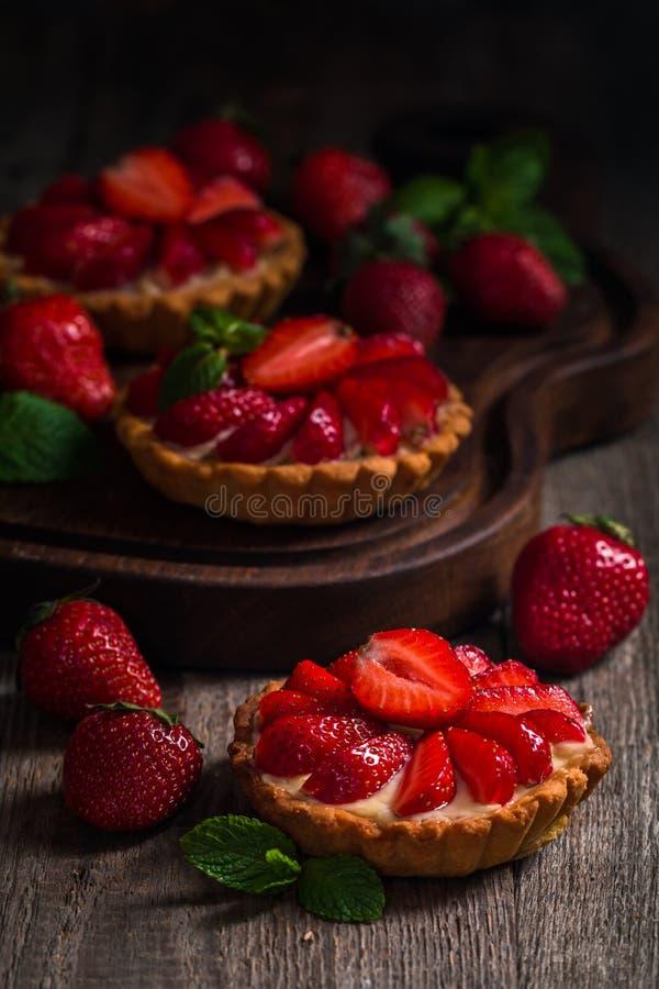 Tartas hechas en casa frescas del berrie imágenes de archivo libres de regalías