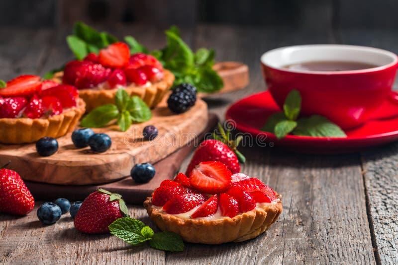 Tartas hechas en casa frescas del berrie foto de archivo libre de regalías