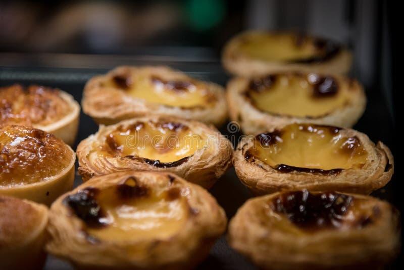Tartas portuguesas tradicionales de las natillas del huevo de Pasteis de Nata fotografía de archivo libre de regalías