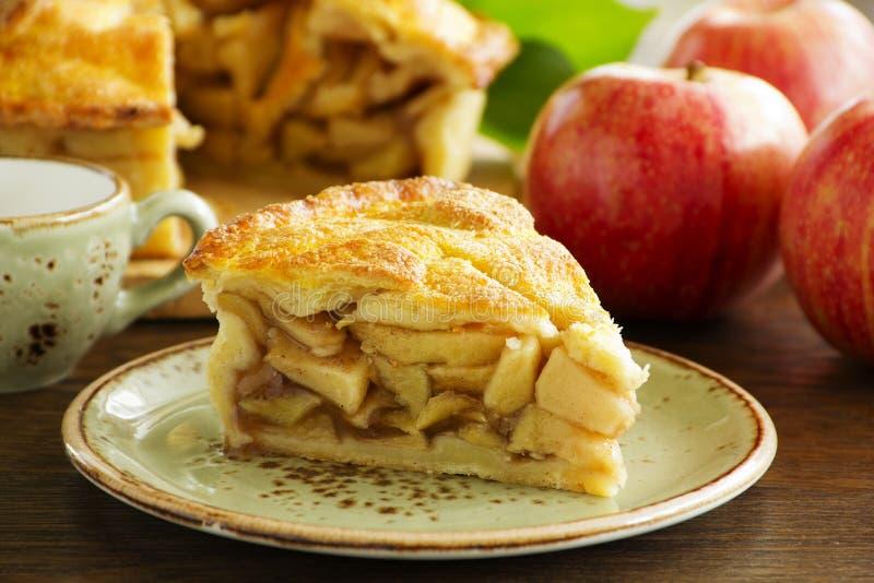 Tarte aux pommes américaine classique images stock