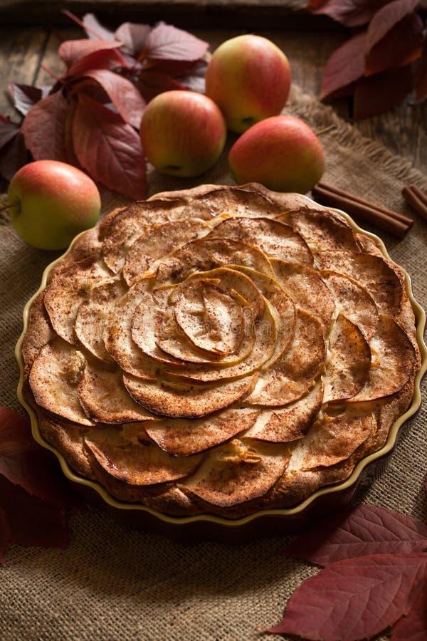 Tarte aux pommes américaine traditionnelle de célébration de vacances images libres de droits