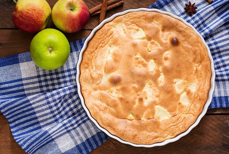 Tarte aux pommes Charlotte image stock