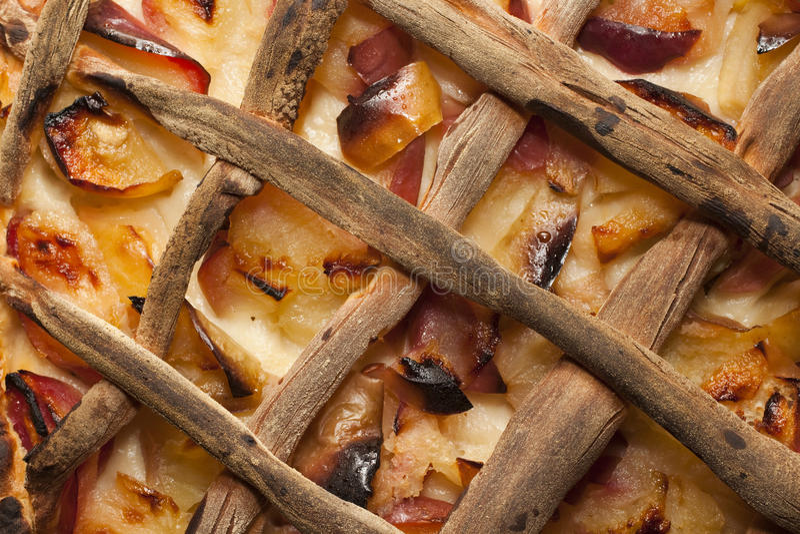 Download Tarte Aux Pommes Faite De Pommes Mûres Fraîches Image stock - Image du pommes, fantaisie: 76076885