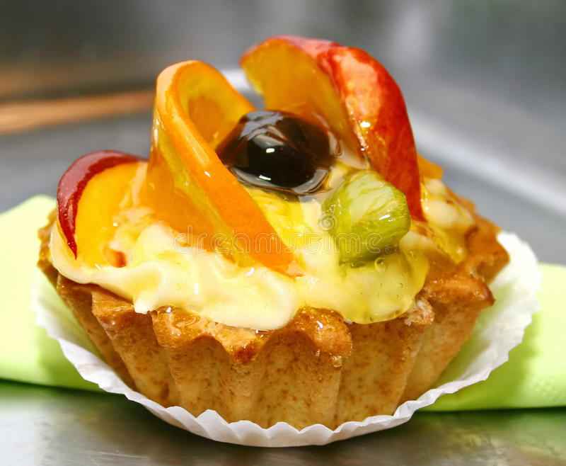 Tarte avec des fruits photo stock