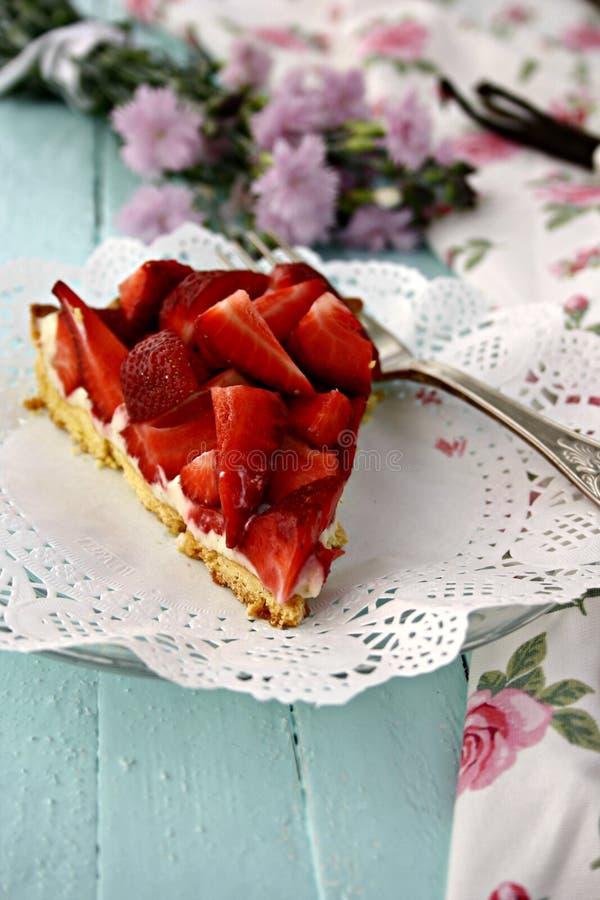 Tarte faite maison de fraise image stock