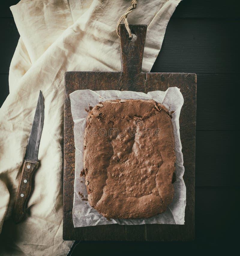 Tarte rectangulaire cuit au four de 'brownie' de chocolat images stock