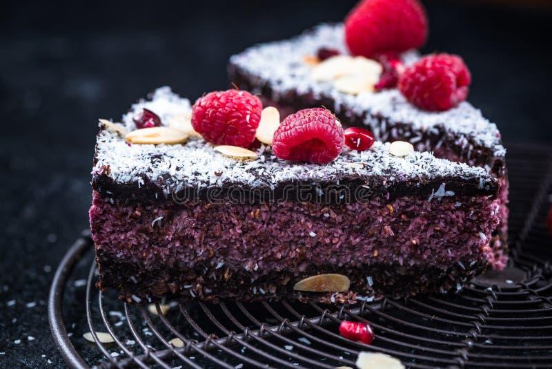 Tarte sain fait maison de framboise et de gâteau de chia images stock