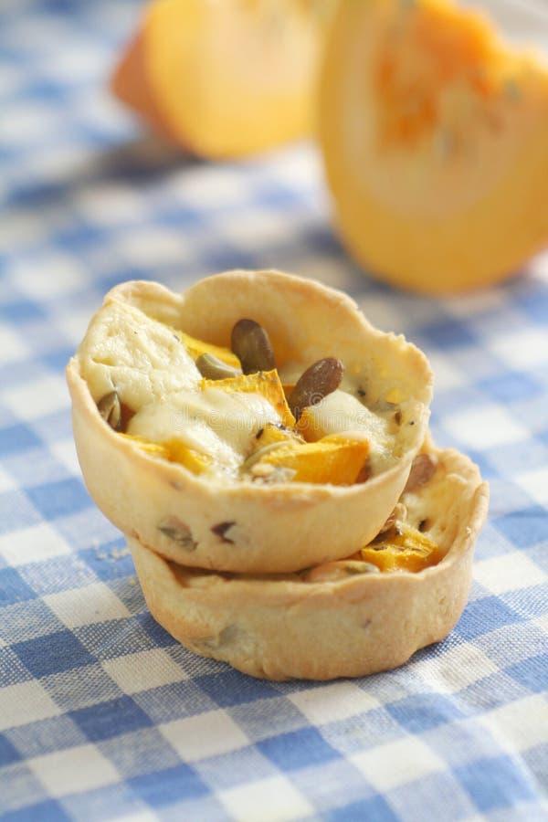 Tartlets com abóbora e queijo imagem de stock royalty free