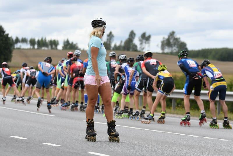 Tartu/Estônia - 26 de agosto de 2018: Maratona de patinagem Inline de Tartu fotografia de stock