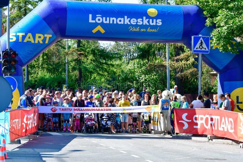 Tartu/Estland - 25 augusti 2019: 13:e Tartu Inline Skating Marathon arkivbild